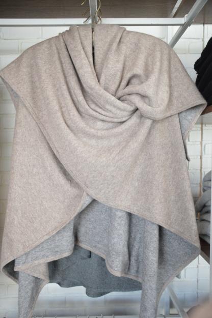 Repeat Reversible Cashmere Wrap