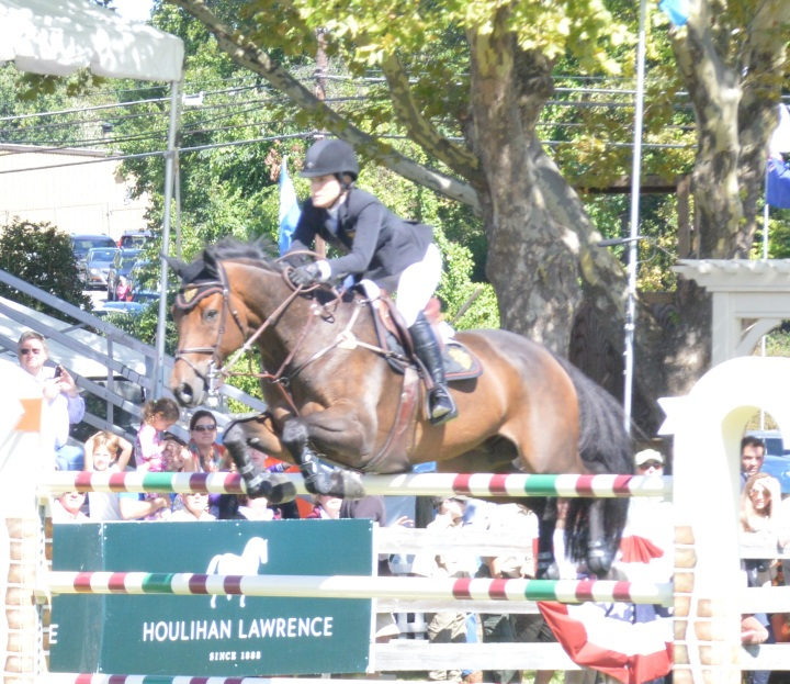 Jessica Springsteen Round One -  a killer round!